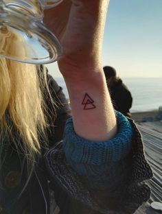 Tattoo small symbol triangles 35 ideas for 2019 Wrist Tattoos For Women, Small Wrist Tattoos, Tattoo Small, Tattoos For Women Small, Forearm Tattoos, Finger Tattoos, Triangle Tattoo Meaning, Triangle Tattoo Design, Triangle Tattoos