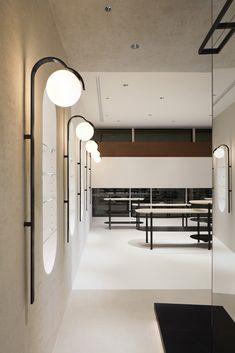 Home Decoration Online Shopping Sconce Lighting, Cool Lighting, Lighting Design, Shop Interior Design, Retail Design, Commercial Design, Light Fittings, Lamp Design, Interior Lighting