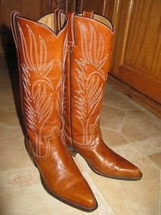"""SOLD!! EXCELLENT-NEAR MINT! Steve Madden Lonestar western boots, sz 8.5 b. The color is just BEAUTIFUL, the perfect shade of whiskey brown, goes great with everything! Tall classic western style with a feminine heel. Perfectly distressed leather makes them all the more appealing.  Leather upper, leather sole, white contrast stitching throughout.  2"""" stacked heel, 13.5"""" calf circumference, 13"""" shaft, pull-on entry.   $80.00 plus $10.00 shipping.  PayPal:  gymnastics11111@yahoo.com"""