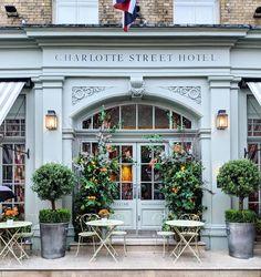 Cafe Shop Design, Cafe Interior Design, Store Design, Deco Restaurant, Restaurant Design, Cafe Exterior, Exterior Design, Shop Facade, London Places