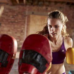 El entrenamiento de los movimientos de boxeo suele consumir muchas calorías.