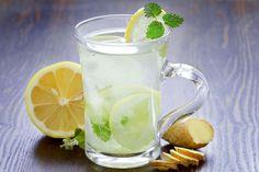 Limonada de te verde con menta y jengibre
