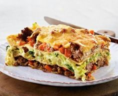 Wirsing-Hack-Lasagne The recipe for savoy cabbage lasagna and other free recipes on LECKER. Spicy Recipes, Shrimp Recipes, Veggie Recipes, Great Recipes, Cooking Recipes, Favorite Recipes, Healthy Recipes, Cabbage Lasagna, Recipes From Heaven