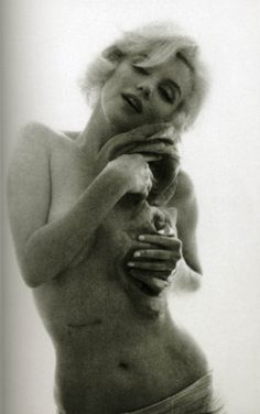Marilyn shows her scar from gallbladder surgery***