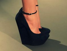 #want #shoes where are these from?OMG the perfect shoe for me..... if they're comfortable.