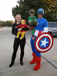 20 DIY Fun Family Costumes – The Cow Country Housewife 20 DIY Family Halloween Costumes that will save money, look amazing, and still let your family have a lot of fun! Costumes Avengers, Superhero Family Costumes, Marvel Halloween Costumes, Superhero Halloween Costumes, Halloween Bebes, Family Super Hero Costumes, Homemade Halloween, Zombie Costumes, Party Costumes