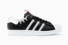 ILMARI x adidas Originals Superstar Tribe: #TSAMFW #1 http://losperrosnobailan.blogspot.com/2013/03/these-shoes-are-made-for-walking-1.html?spref=tw