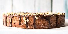 Ten Minute Chocolate Mousse Cake ~ Wholefood Simply Raw Desserts, Paleo Dessert, Chocolate Desserts, Paleo Chocolate, Delicious Desserts, Vegan Sweets, Healthy Sweets, Chocolate Mousse Recipe, Healthy Cake