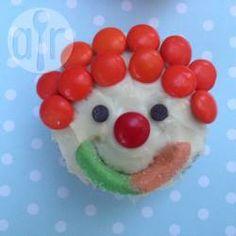 Clown Cupcakes (Clown Muffins), Kinder Cupcakes, Muffins Kindergeburtstag, lustige cupcakes, lustige Muffins, Zirkus Thema. Kinderfasching @ de.allrecipes.com