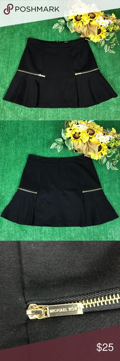 Michael Kors   Black Pleat Flounce Mini Skirt  A85 ▪️Excellent Preowned Condition ▫️Women Sz 8 ▪️smoke free - Dog friendly home ▫️Waist 16.5 inch. ▪️Hip 20 inch ▫️ Top to Bottom 16.5inch.  ✔️Photo's might make certain items or colors appear slightly different than it actually is due lighting. I attempt to describe colors accurately, but I might see colors slightly differently than another person, due to lighting and difference in opinions  ✔️Measurement are to the best of my knowledge…
