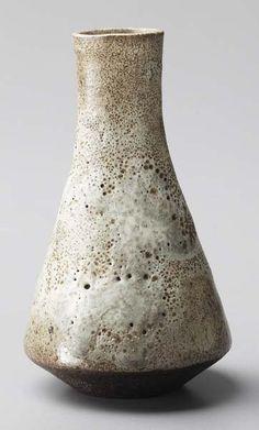 LUCIE RIE, 1902-1995 Single-stem flower vase