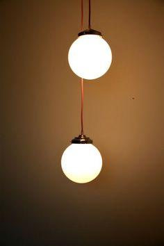 Lustre suspension ancien abat jour globe en  verre opaline blanche... http://www.lanouvelleraffinerie.com/plafonniers-suspensions-lustres/556-moonlight-lustre-suspension-ancien-abat-jour-globe-en-verre-opaline-blanche.html