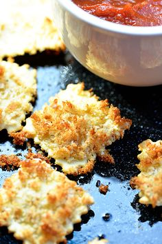 *stomach growling* ::: Lighter Fried Ravioli Recipe from @addapinch | Robyn Stone