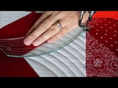 Curved Cross-Hatching Machine Quilting by Natalia Bonner - YouTube