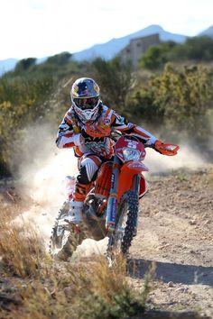 JA Yamaha Motocross, Motocross Love, Enduro Motorcycle, Motorcycle Suit, Motocross Action, Ktm Dirt Bikes, Cool Dirt Bikes, Dirt Biking, Ktm 450 Exc