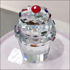 Cut Crystal Cupcake Merchandising – Fixtures Close Up Crystal Cupcakes, Visual Merchandising, Swarovski, Crystals, Glass, Dream Homes, Drinkware, Corning Glass, Crystal