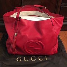 Authentic 💯%  Gucci SOHO shoulder bag New with tag and dust bag never used . Very cute big bag.🚨NO TRADE Gucci Bags Shoulder Bags