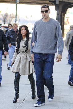 Kim Kardashian 5'2, Kris Humphries 6'8