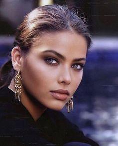 Gorgeous Eyes, Pretty Eyes, Gorgeous Women, Gorgeous Makeup, Brunette Beauty, Hot Brunette, Hair Beauty, Girl Face, Woman Face