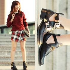 Choies Metal Buckle Cut Out Boots, Topshop Tartan Skorts, H&M Cable Knit Sweater, Faux Leather Collar, Studded Clutch