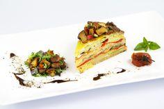 Fleisch vermisst hier bestimmt keiner! Für die Frittata werden Kartoffeln, Zucchini und Pilzmasse geschichtet und mit einer QimiQ Saucenbasis-Eier-Mischung übergossen. Ab in den Ofen und nach 25 Minuten genießen!