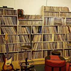 Du vinyl... #records #vinylcollection #chineseman by chinese_man http://ift.tt/1TsHg7k