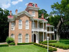 Historic Waco Foundation Waco, Texas Victorian Era home and collection tours