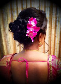 A sophisticated updo hairstyle with a couple of roses tucked behind an ear is so gorgeous, innit? South Indian Hairstyle, Indian Bridal Hairstyles, Down Hairstyles, Braided Hairstyles, Wedding Hairstyles, Updo Hairstyle, Hairstyle Ideas, Casual Braids, Hair Pulling