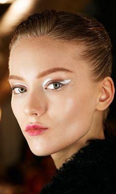"IDIP on Twitter: ""Miradas en blanco!!! #maquillaje #makeup #eyeliner #fashion…"
