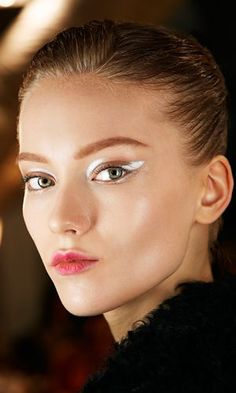 "IDIP on Twitter: ""Miradas en blanco!!! #maquillaje #makeup #eyeliner #fashion #idip #fashionfriday #glamour #look #imagen #style #color http://t.co/FtqOQNzxFu"""
