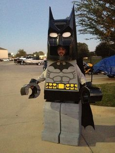 A Funny Lego Batman Costume Lego Costume, Batman Costumes, Adult Costumes, Super Hero Costumes, Cool Costumes, Halloween Costumes, Costume Ideas, Batman Party, Lego Batman