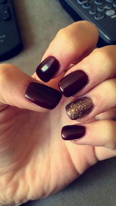 Burgandy java/gold ring gel acrylic