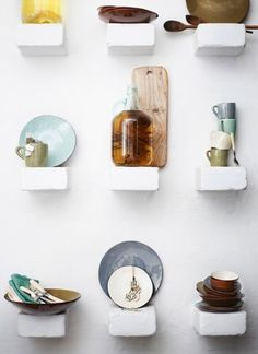 A beautiful way to display!! Via Rue. Click image for more.