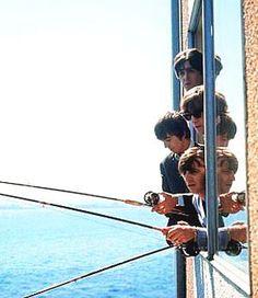 Click en la foto para la historia Edgewater Hotel Beatles pescando-