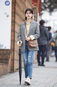 While You Were Sleeping Outfits. Get this Outfit. For Real, we Have Really Similar Looking Clothes. Korean Fashion Trends, Korean Street Fashion, Asian Fashion, Suzy Bae Fashion, Suzy Drama, Minimalist Fashion Women, Bae Suzy, Korean Celebrities, Korean Outfits