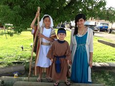 JW costumes- Hannah & her son Samuel with Moses Family Worship Night, Family Night, Family Day, Bible Activities For Kids, Family Activities, Biblical Costumes, Make Your Own Costume, Family Bible Study, Empty Tomb