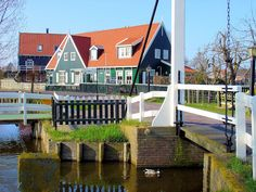 As soon as we disembarked our motor coach, this picturesque setting welcomed us to Marken.