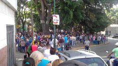 ¡El pueblo quiere cambio! Catia desbordada de gente que vota por un mejor futuro para Venezuela - http://www.notiexpresscolor.com/2017/07/16/el-pueblo-quiere-cambio-catia-desbordada-de-gente-que-vota-por-un-mejor-futuro-para-venezuela/