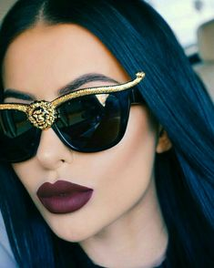 Chic - latest designer trends, high fashion accessories on We Heart It Sunglasses For Your Face Shape, Cat Eye Sunglasses, Sunglasses Women, Luxury Sunglasses, Lunette Style, Cute Glasses, Fashion Eye Glasses, Liquid Lipstick, Women's Accessories
