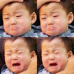 ㅠㅠ Crying Minguk Minguk refuse to get a haircut Triplet Babies, Superman Kids, Song Daehan, Song Triplets, Korean Babies, Cute Korean, Mood Pics, Cute Girls, Cute Babies