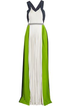 Color-block pleated crepe gown | Vionnet | 77% off | US | THE OUTNET