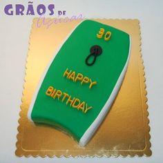 Prancha Bodyboard   Recortado   bolo 30 anos   Grãos de Açúcar - Bolos decorados - Cake Design