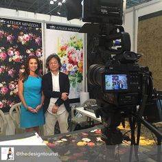 Filming the stylized floral artwork of Japanese Painter/Designer Mineeda @surtexshow #Surtex His floral paintings are translated into large repeats for home textiles! They are totally fresh authentic & fabulous! #floraldesign #floralpainting #art #surfacepatterndesign #design #designtrends #homedecor #textiles #admNewYorkArtCrawl #admSupportTheArts