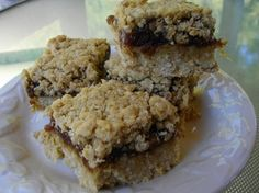 The squares with grandmother's dates Pie Recipes, Dessert Recipes, Cooking Recipes, Dessert Ideas, Date Squares, Canadian Food, Canadian Recipes, Cheesecake Pie, Xmas Cookies