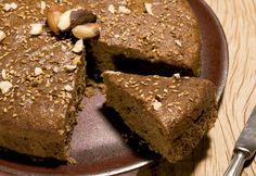 O bolo com farinha de linhaça dourada por ser muito mais funcional, saudável e light para o organismo do que a versão tradicional. Confira essas receitas.