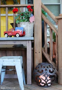 Vintage America Party Home Decor Idea - July 4th Summer Holiday Decorating