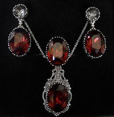 30OFF Burgundy Gothic Jewelry Set Red Swarovski by Aranwen on Etsy