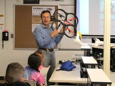 Jack Brzezinski, who teaches artificial intelligence and robotics at MCC, explains drone technology to students in Exploration 2050: Future of Space Exploration and Drones.