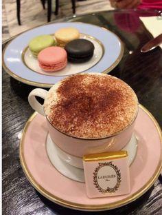 Porque toda tarde merece um delicioso café + macarons!!!