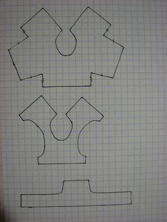 Выкройки для Эви(Evi) Верхняя - выкройка лифа с цельнокроенными рукавами, средняя - соответственно без оных, нижняя - платье с бретельками. Длину бретелей можно определить непосредственно при примерке. Длину юбки и ее пышность я оставила на ваше усмотрение.